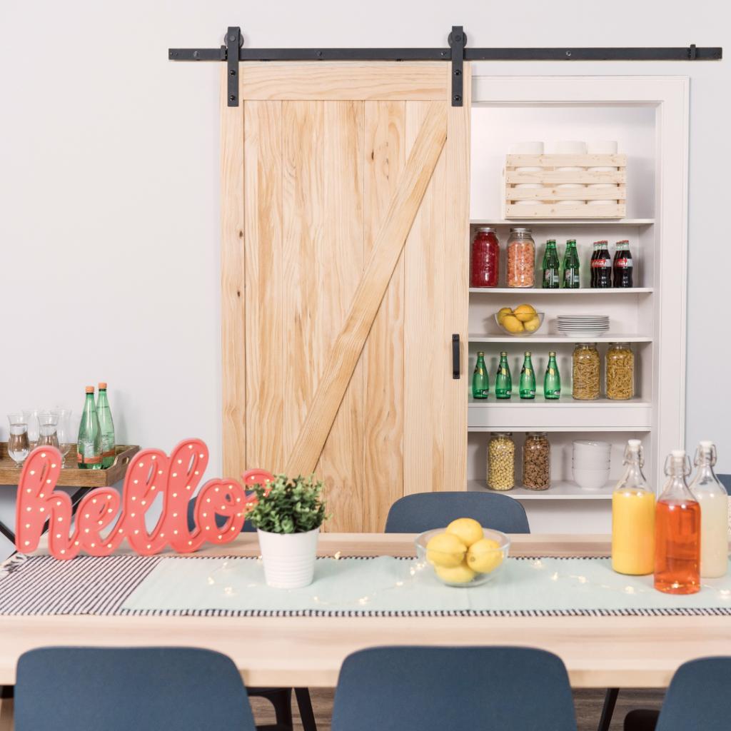 Salinas Z-Design Pine Barn Door Kit