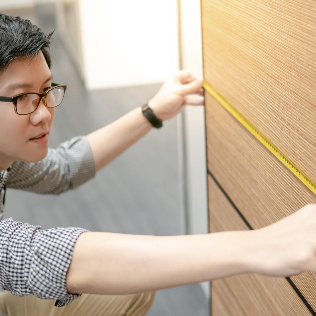 how to measure closet door