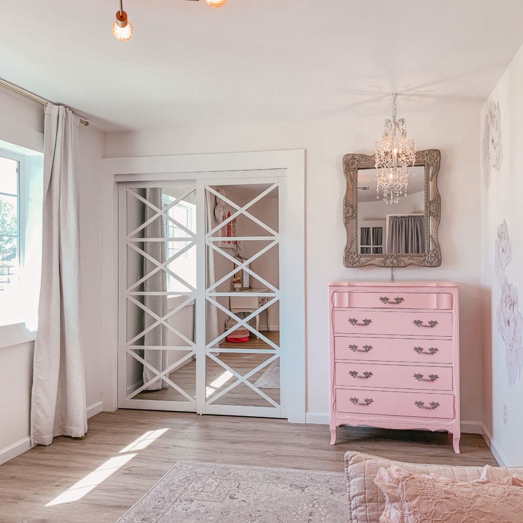 Lace Multi-X Bypass Closet Doors